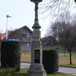 Čtvrtý kamenný kříž u bývalého obchodu